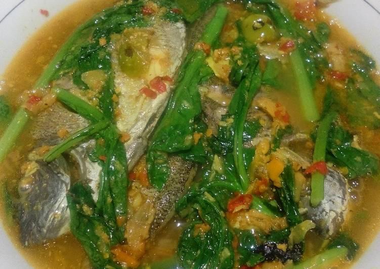 Ikan Baronang kuah kuning caisim
