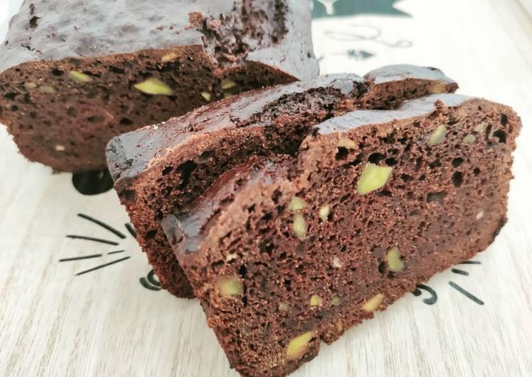 How to Prepare Delicious Plumcake al cioccolato con zucchine (davvero?) e pistacchi