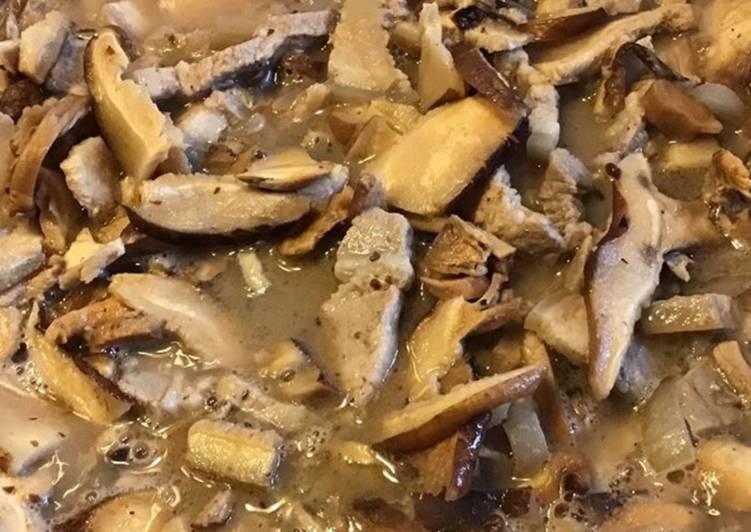 Poêlée de champignons shiitake à la crème et poitrine de porc
