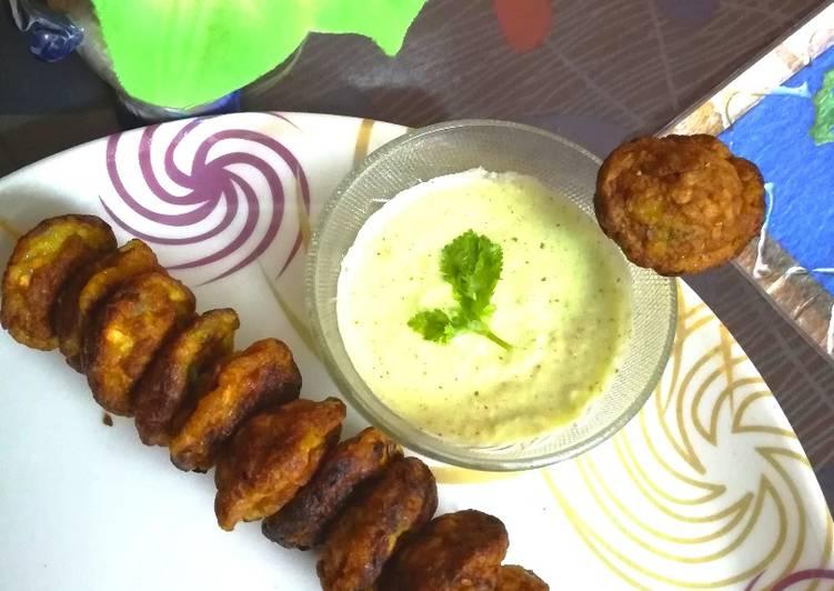 Veggie Oats Egg fritters With coriander and lemon chutney