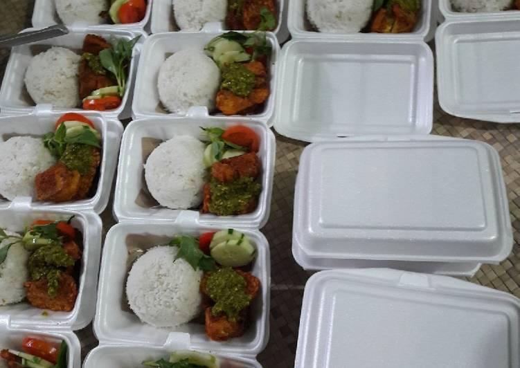 Nasi Ayam Penyet Cetar