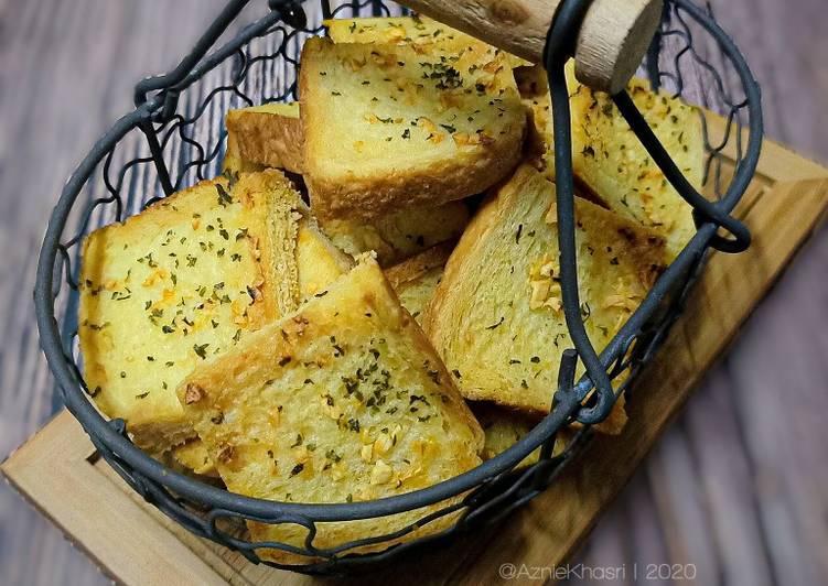 Resepi:  Crunchy Garlic Bread  Lazat