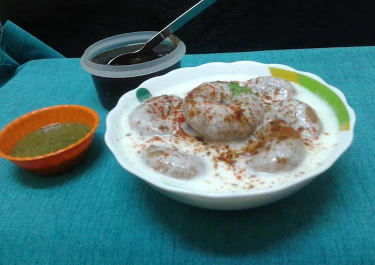 Information on How to Improve Your Mood with Food Kacche kele ke dahi vade