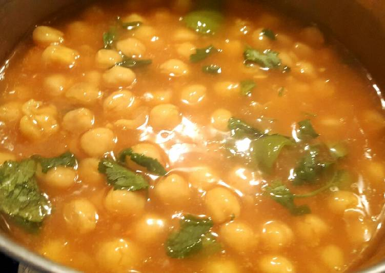 Memoni Cholay (Thick chickpea soup with vegetables)🍲