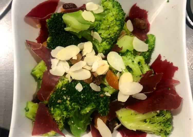 Salade brocolis et noix
