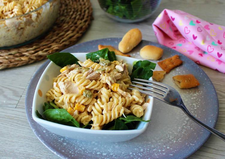 Ensalada de pasta y pollo en olla GM H