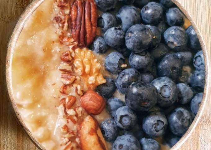 Bowl healthy banane myrtille noix