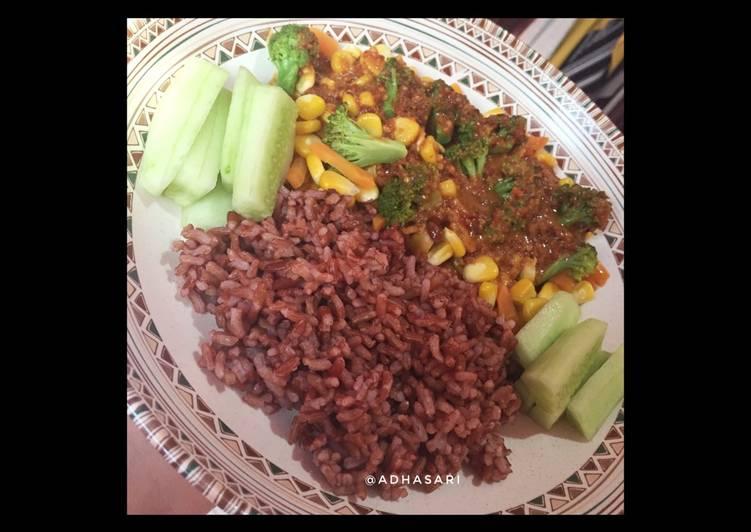 Resep Menu diet gm hari ke-10/ nasi merah + sayur + buah oleh