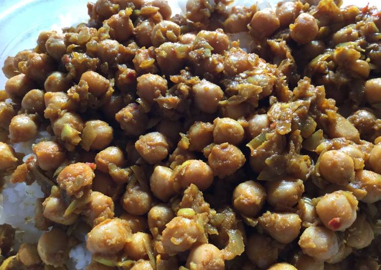 Easiest Way to Make Any-night-of-the-week Chickpea Curry