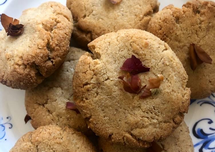 Rose and cardamom cookies - vegan