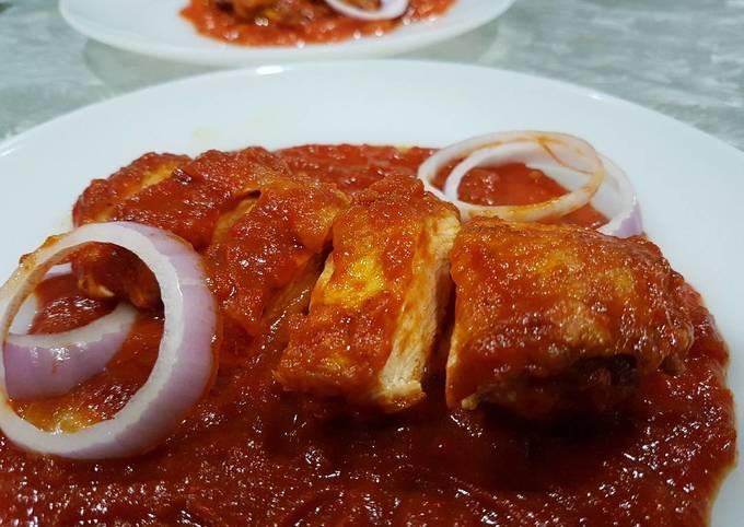 Fried Chicken in Spicy Tomato (Ayam Goreng Masak Merah)