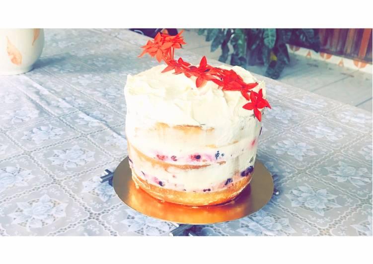 Nude cake aux fruits rouges