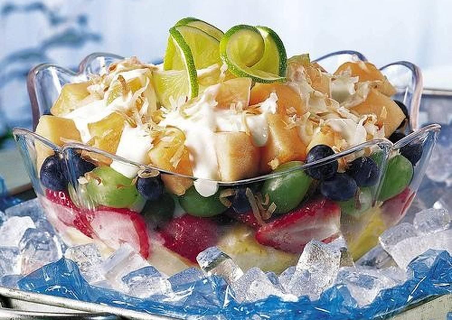 салаты рецепты с фото фруктовые выделяется своей
