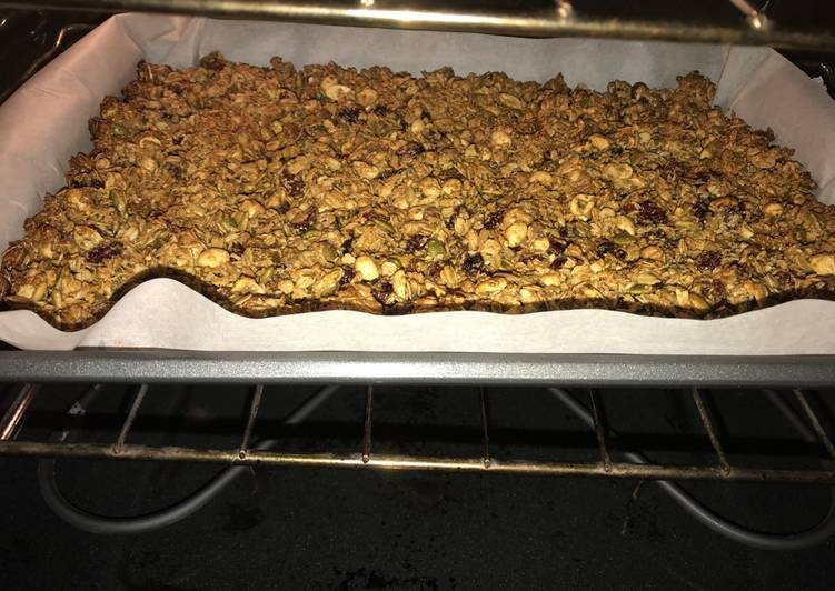 Easiest Way to Make Delicious Granola