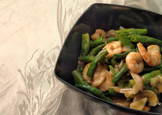 Long Beans and Prawns in Oyster Sauce