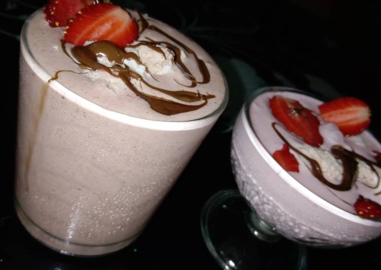 Recipe of Perfect Strawberry chocolate milkshake