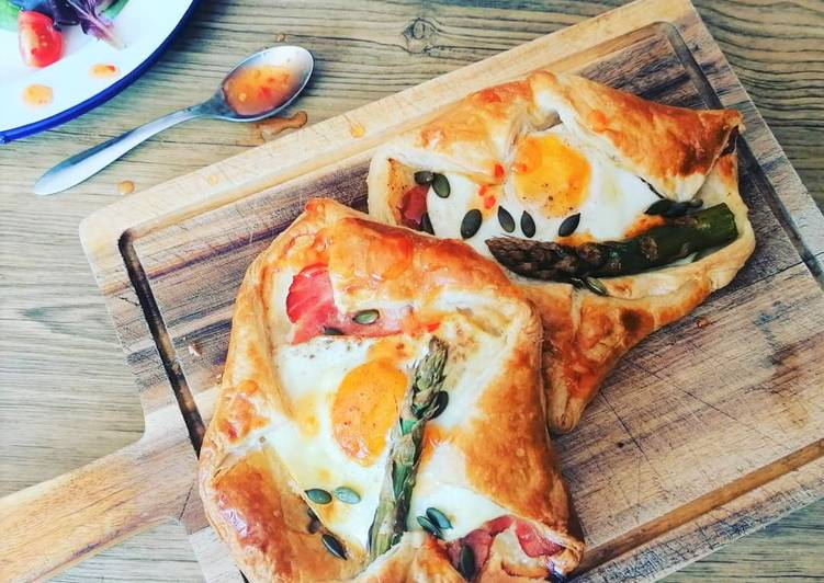 Step-by-Step Guide to Prepare Favorite Cheesey Bacon, Egg & Asparagus Wrap