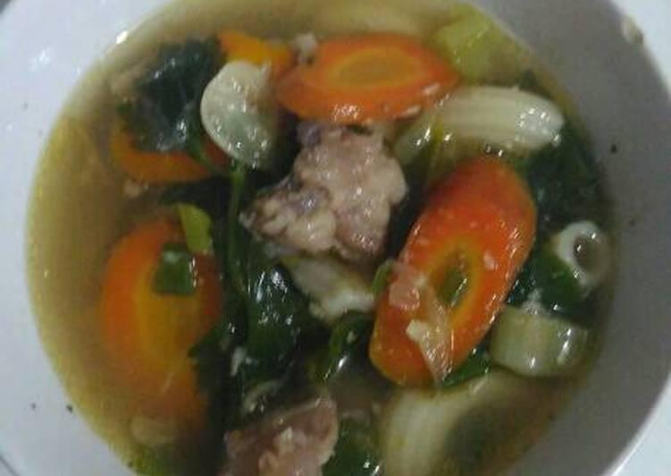 Sop Makaroni dan Tetelan Daging Sapi