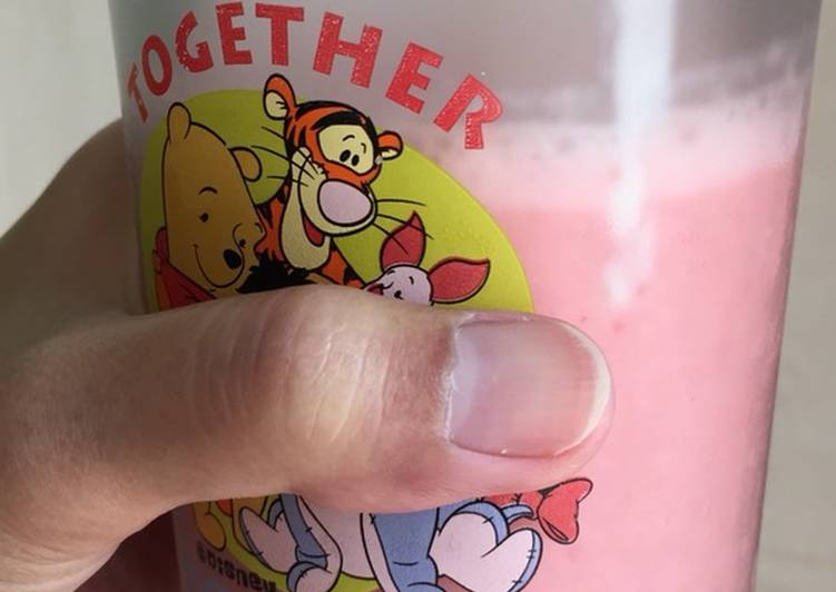 Juice Strawberry Yoghurt