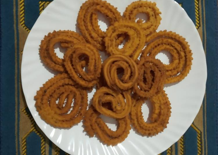Steps to Make Any-night-of-the-week Instant Chakli