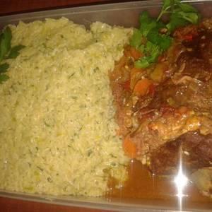 Colita de cuadril rellena acompañado con risotto de verduras