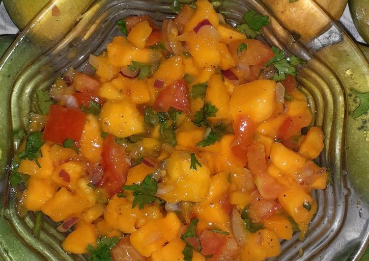 Simple Way to Prepare Speedy Mango Salsa #MangoTango