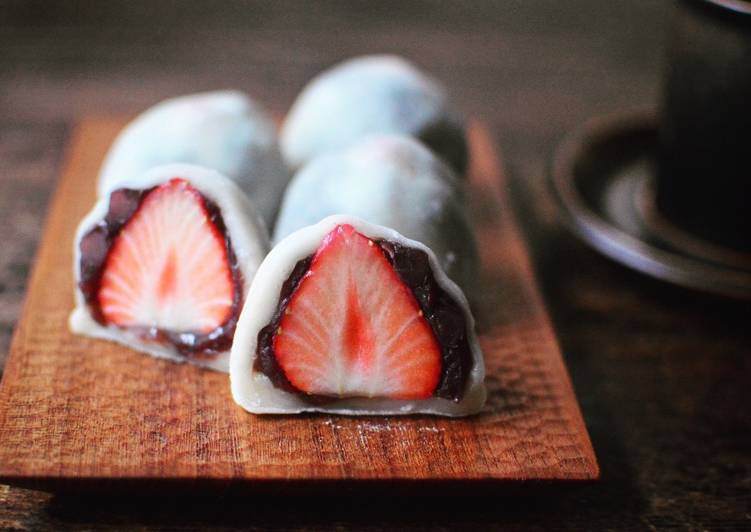 Easy strawberry daifuku