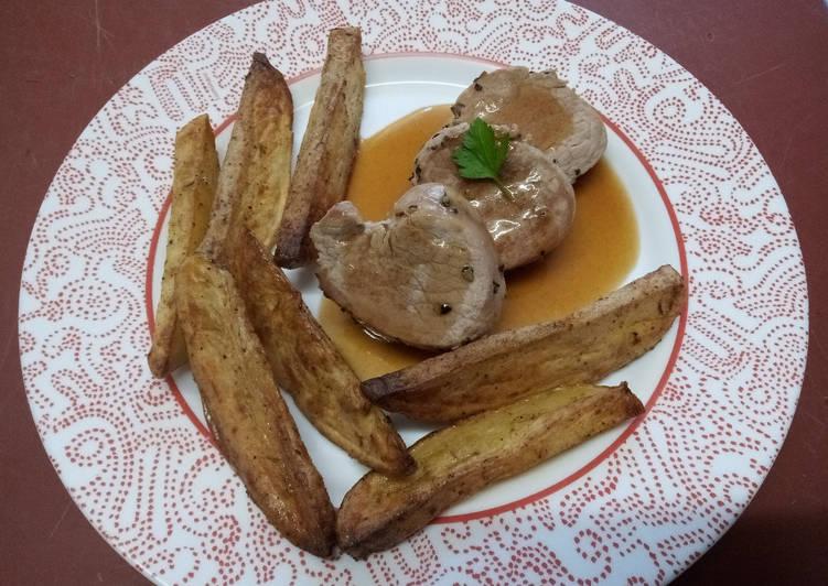 Médaillons de filet mignon de porc, potatoes et sauce au miel