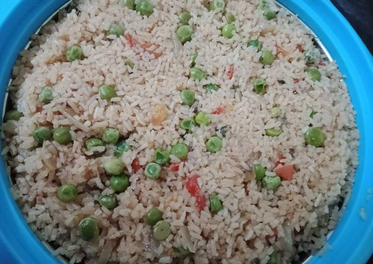 Steps to Prepare Super Quick Homemade Tomato peas pulao