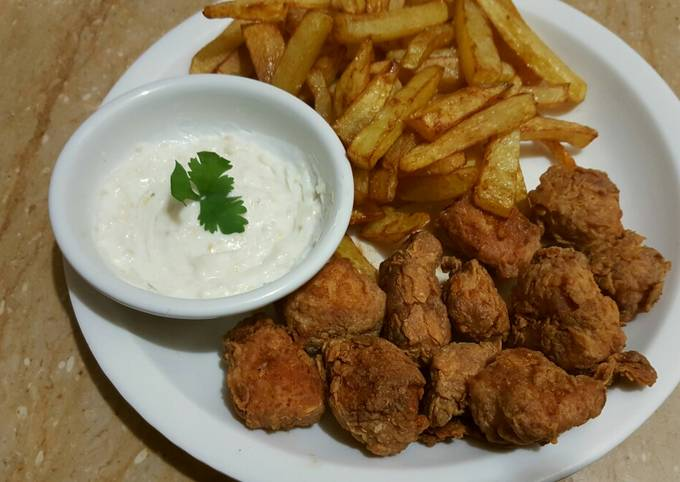 Chilli n spice chicken with french fries n mayo garlic sauce😋