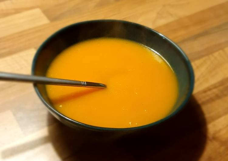 Recette simple de soupe aux pommes de terre et carottes 🍵