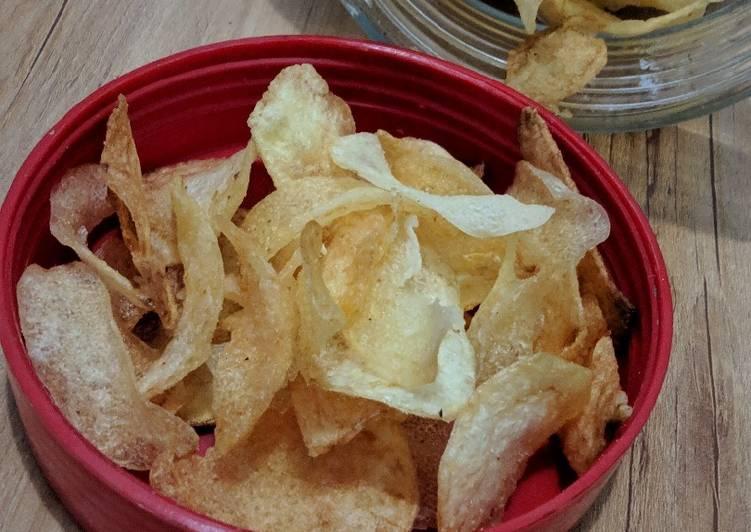 Keripik kentang sederhana (cemilan untuk anak)