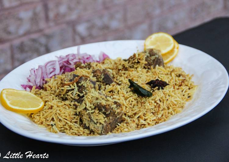 10 Minute Recipe of Quick Kachche Gosht Ki Biryani / Hyderabadi Mutton Dum Biryani
