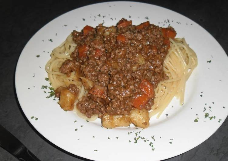 Easiest Way to Make Appetizing Spaghetti and mince