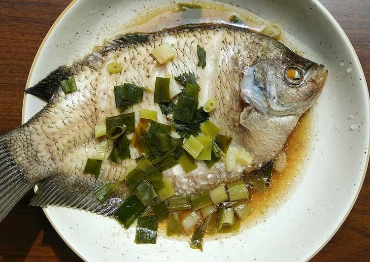 Cantonese Steamed Fish (Ikan Kukus Ala Canton)
