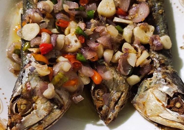 Ikan asin sambal bawang pedas
