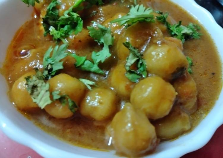 Steps to Prepare Super Quick Homemade Chola curry in besan gravy