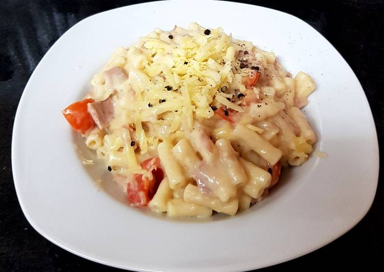 Step-by-Step Guide to Prepare Ultimate My Macaroni cheese with Tomatoes and Tuna. 😘