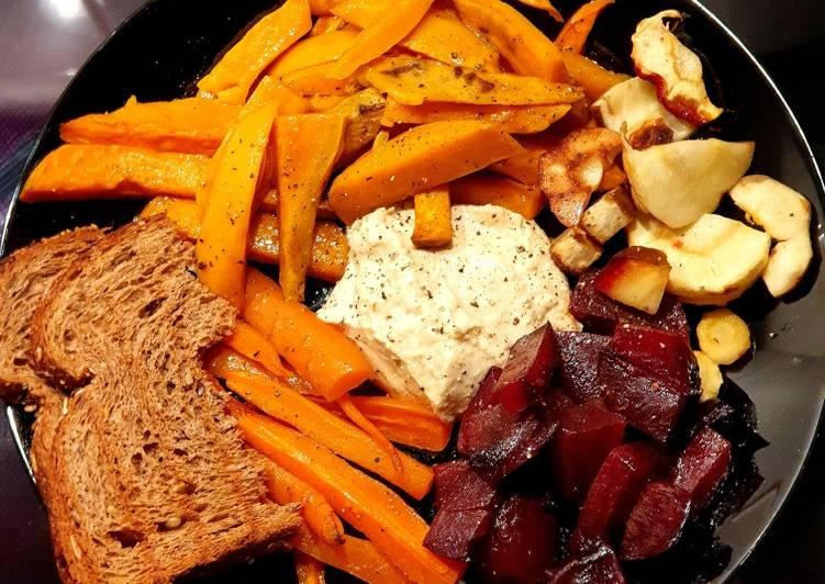 Baked veggies & hummus 🥕🍠🥔