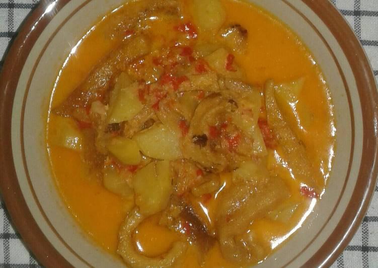 Sambel goreng kentang krecek kulit sapi