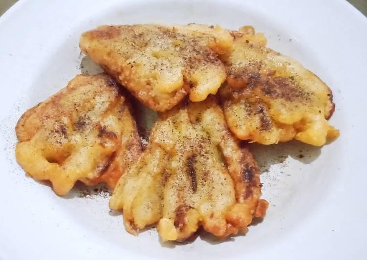 Fried banana with cinnamon