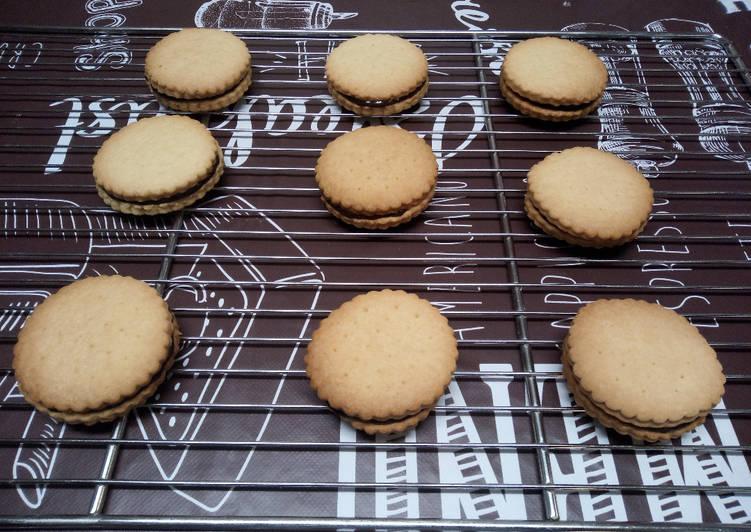 Comment faire Cuire Appétissante Biscuits fourrés au chocolat