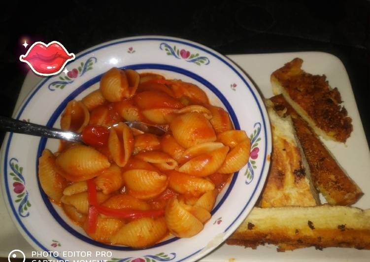 Veggie Pasta Shells With French Bread