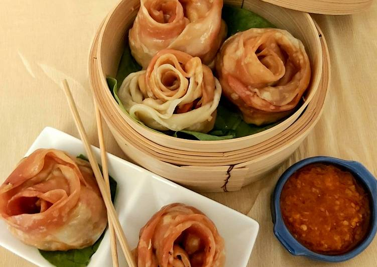 Rose shaped Paneer Momos