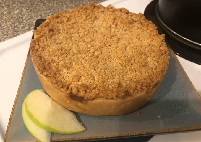 Easiest Way to Cook Appetizing Apple Pie Crumble (Dutch Apple Pie)