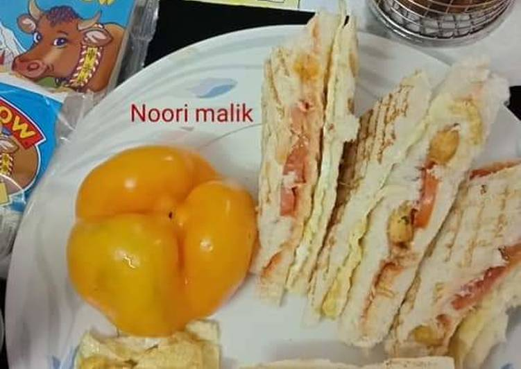Easiest Way to Make Delicious Spicy_Chicken_Cheese Club_Sandwich