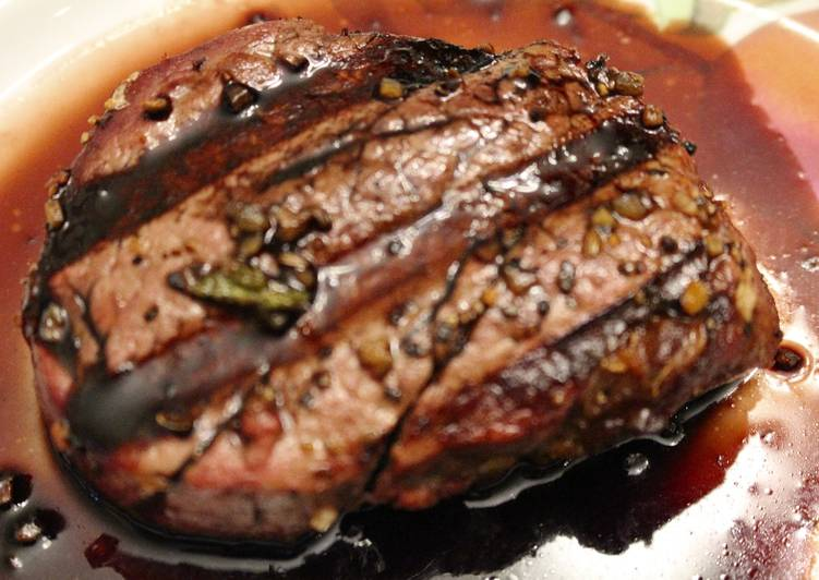 15 Minute Easiest Way to Make Summer Filet Mignon with Balsamic Wine Sauce