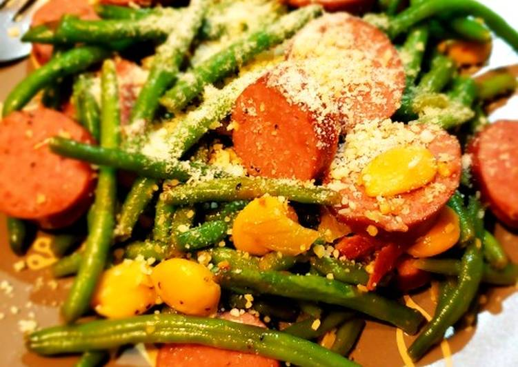 Steps to Prepare Super Quick Homemade Haricots Verts Amandine with Beef Smoked Sausage