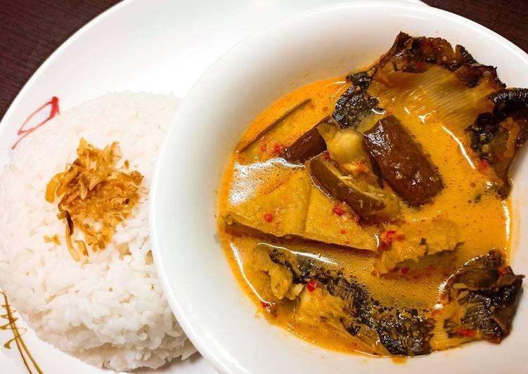 Mangut Ikan Pari (Iwak Pe)