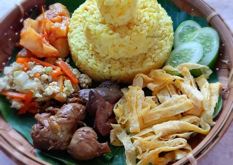 Tumpeng nasi kuning magicom dengan fibercream